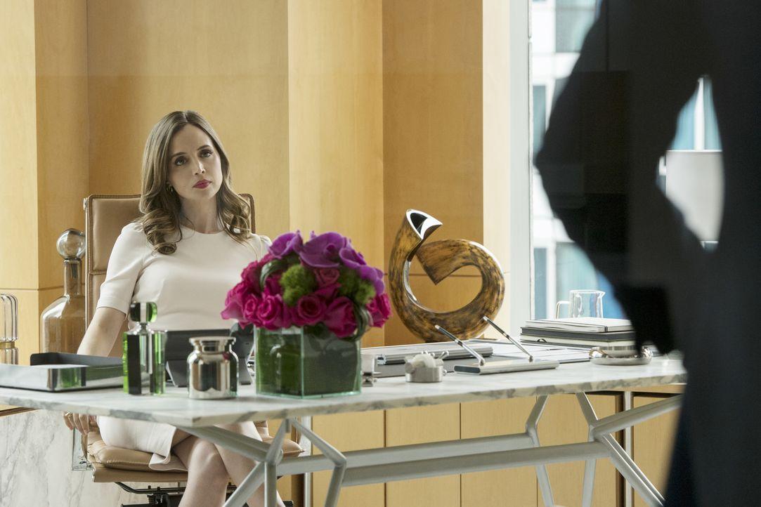 Die attraktive Strafanwältin J.P. Nunnelly (Eliza Dushku) weiß ganz genau, was sie will und meist bekommt sie das auch. Auch dieses Mal? - Bildquelle: 2016 CBS Broadcasting, Inc. All Rights Reserved
