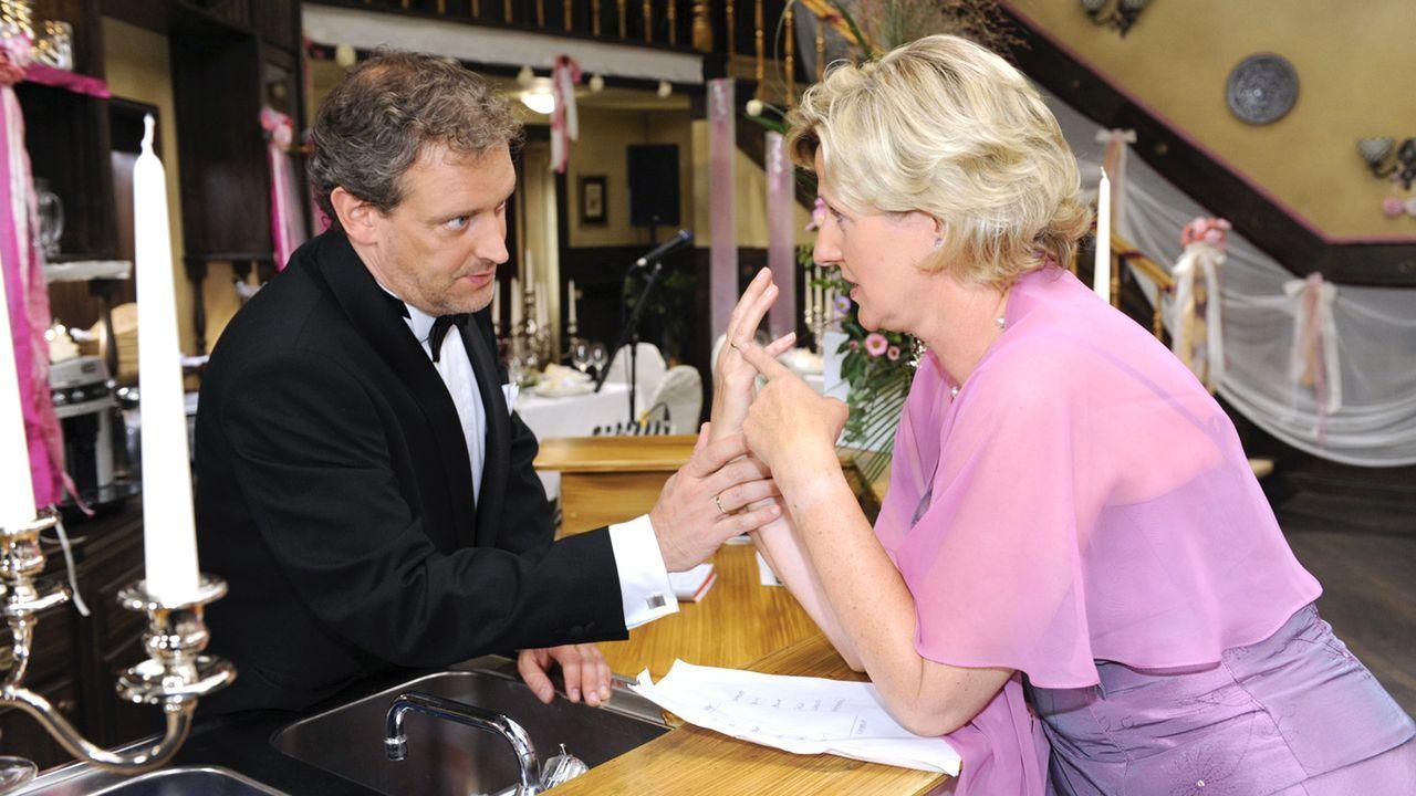 Anna-und-die-Liebe-Folge-311-02-Sat1-Claudius-Pflug - Bildquelle: SAT.1/Claudius Pflug
