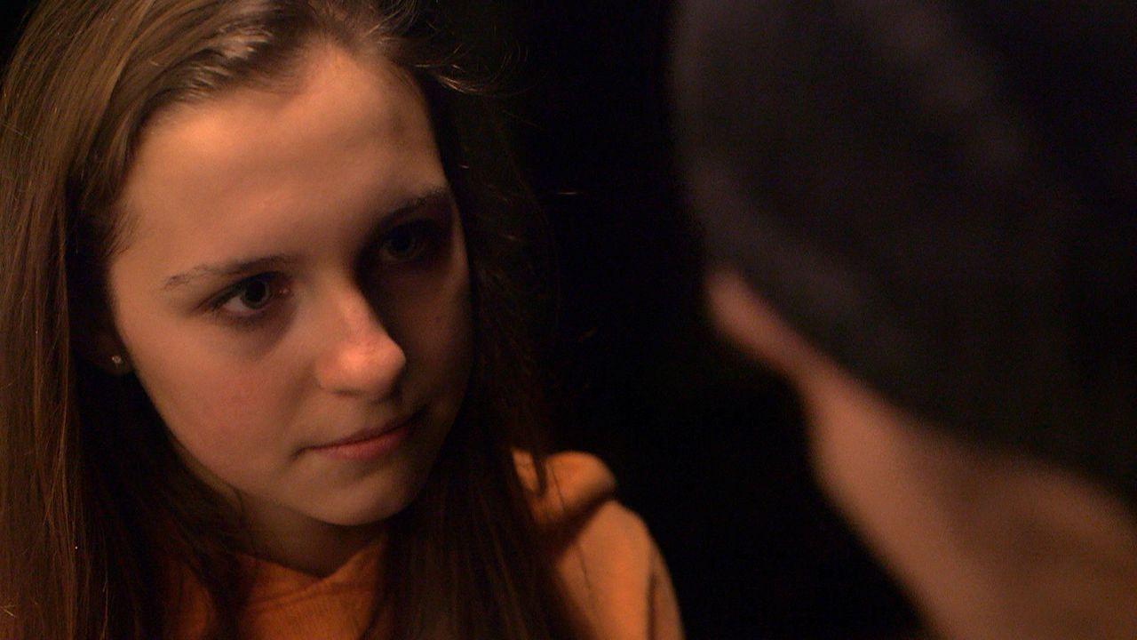 Käthe gerät außer Kontrolle: Der von Papa Michael auferlegte Hausarrest stößt bei ihr auf Widerstand - mit dramatischen Folgen ... - Bildquelle: SAT. 1