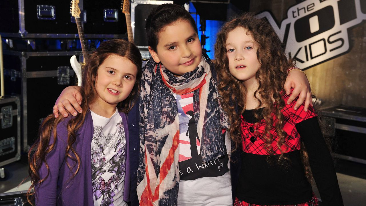 The-Voice-Kids-Stf02-Epi05-Salvatore-Larissa-EmmieLee-31-SAT1-Andre-Kowalski - Bildquelle: SAT.1/Andre Kowalski