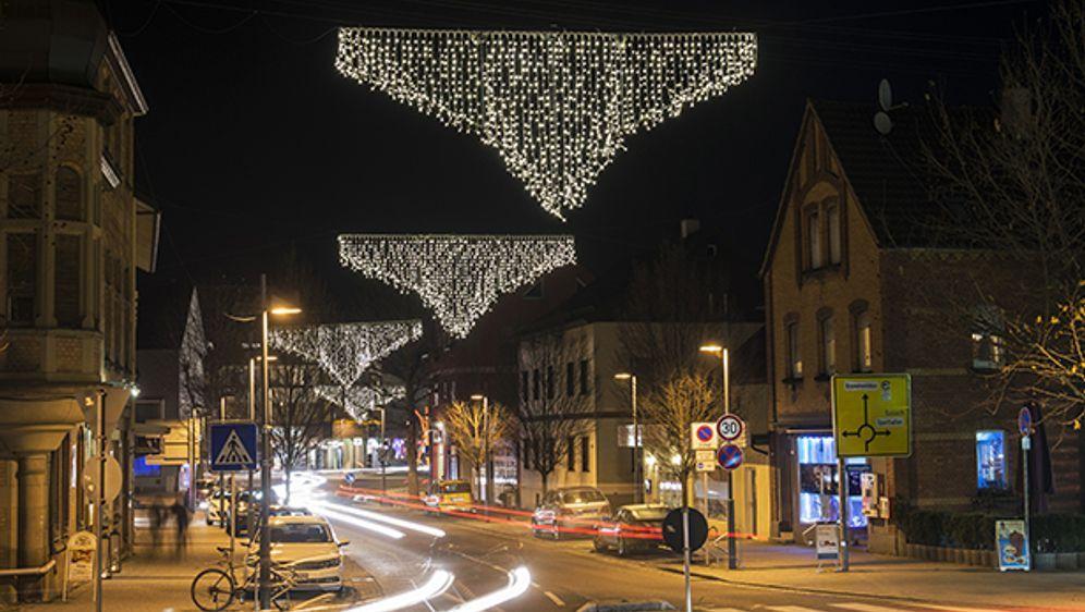 Weihnachtsdeko Straßenbeleuchtung.Warum Lacht Das Internet über Diese Straßenbeleuchtung