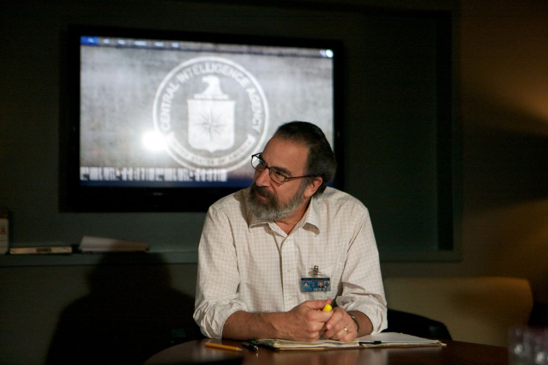 Die Arbeit stiehlt Saul (Mandy Patinkin) auch noch die letzte Minute mit seiner Frau ... - Bildquelle: 20th Century Fox International Television