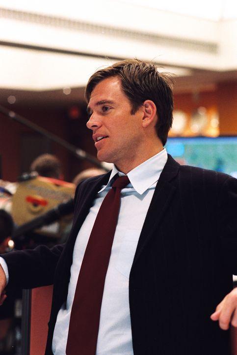 Tony (Michael Weatherly) arbeitet an einem schwierigen Fall ... - Bildquelle: CBS Television
