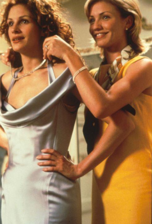 Zukünftige (Cameron Diaz, r.) und Ex (Julia Roberts, l.) schließen sofort Freundschaft. Deshalb bittet Kimmy Julianne, ihre Trauzeugin zu werden.... - Bildquelle: Columbia TriStar