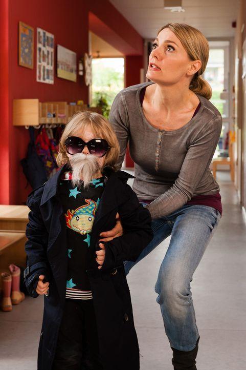 """(3. Staffel) - In """"Knallerfrauen"""" tut Martina Hill (r.) wonach ihr der Sinn steht - hemmungslos und unangepasst ... - Bildquelle: Guido Engels SAT.1"""