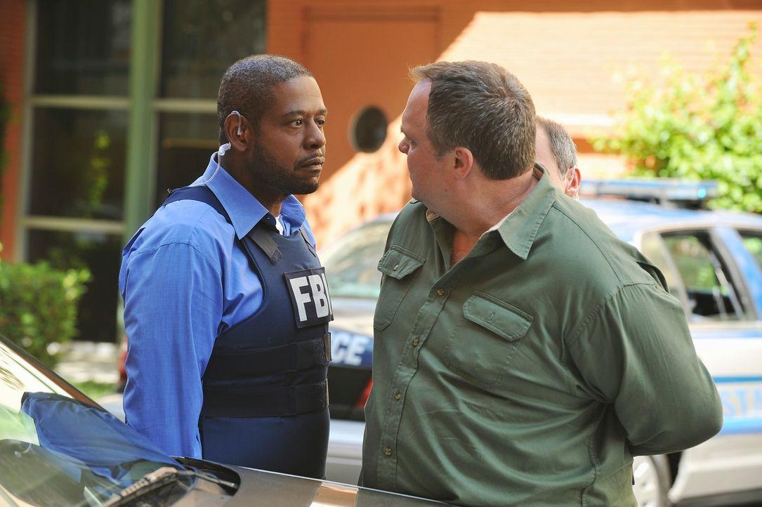 Sam (Forest Whitaker, l.) und sein Team, müssen einen Bobenleger dingfest machen, bevor es weitere Tote geben wird. Doch haben sie mit William Meeks... - Bildquelle: ABC Studios