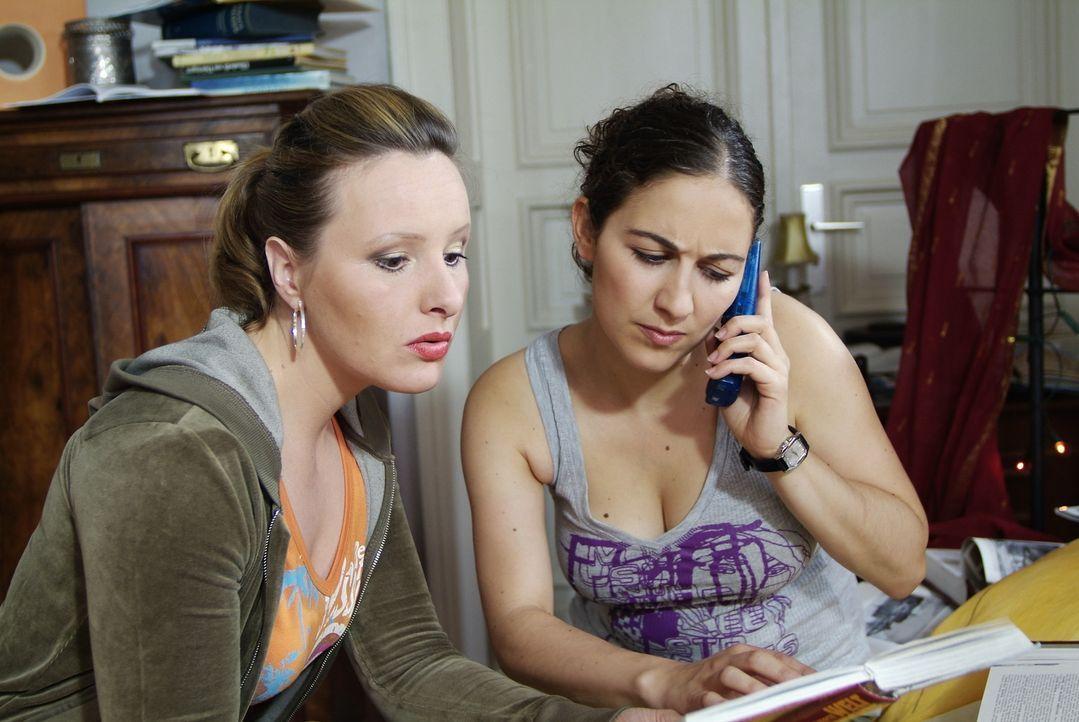 Als Telefonjoker will man ja nur helfen - trotz der ganzen Nervosität und Vorbereitung! Hoffentlich ist es das auch wert? (Nina Vorbrodt, l. und Shi... - Bildquelle: Guido Engels Sat.1