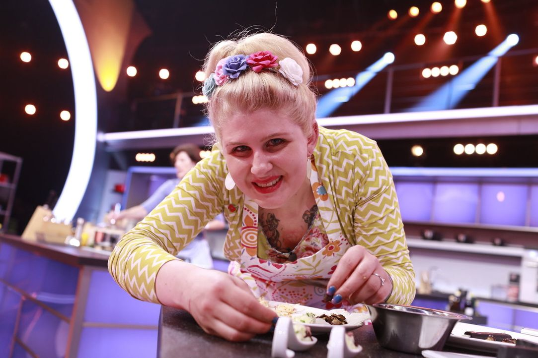 Lisa möchte in die nächste Runde kommen. Doch wird sie mit ihrem Löffel die Coaches überzeugen können? - Bildquelle: Benedikt Müller SAT.1