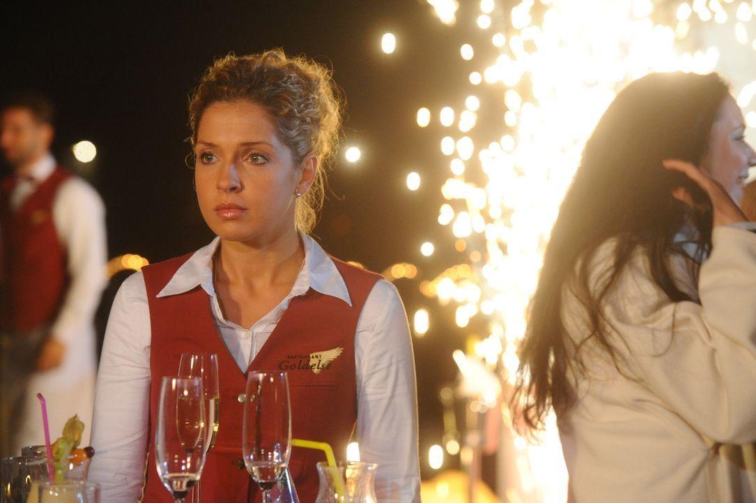 Kann nicht glauben, dass Luca und Olivia nicht geheiratet haben: Nina (Maria Wedig) ... - Bildquelle: SAT.1