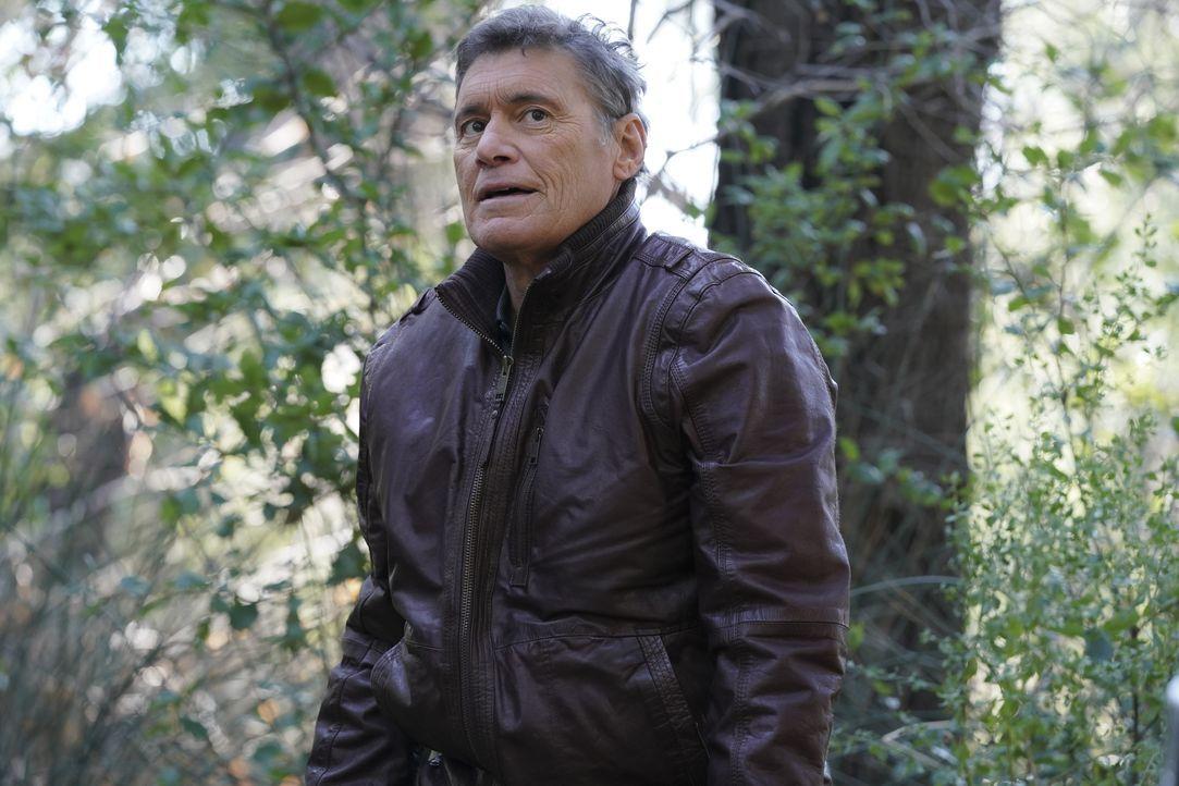 Miguel Torres (Steven Bauer) - Bildquelle: Bill Inoshita 2021 CBS Broadcasting, Inc. All Rights Reserved. / Bill Inoshita