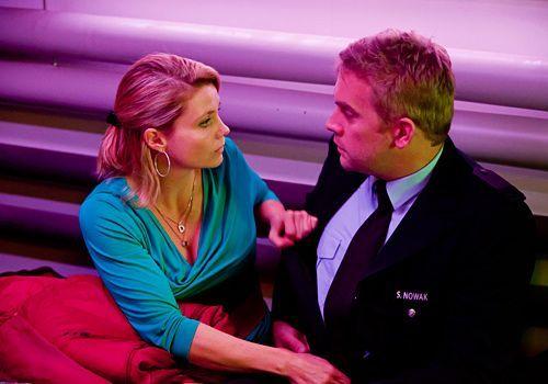 Haben die beiden, nach alldem was geschehen ist, eine Chance? Sven (Sebastian Bezzel) und Danni (Annette Frier)...   - Bildquelle: Frank Dicks - Sat1