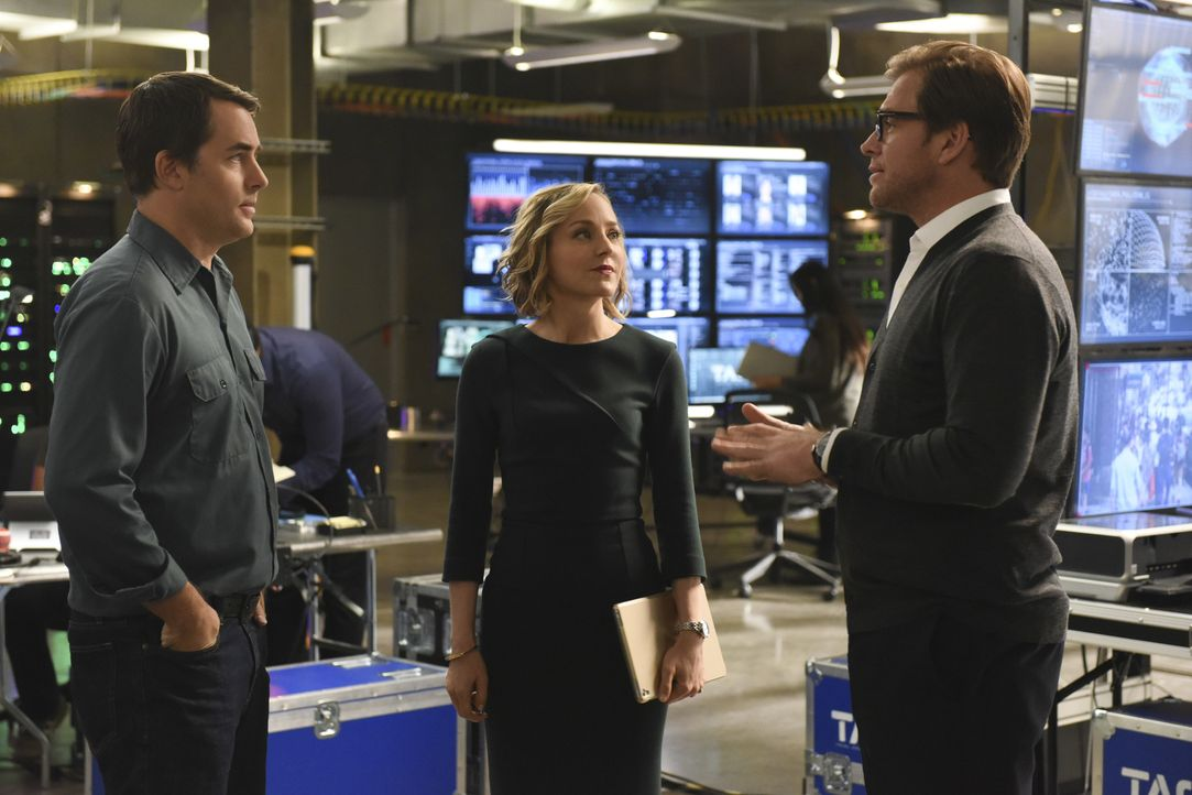 Können Bull (Michael Weatherly, r.) und Marissa (Geneva Carr, M.) John Philips (l.) mit der richtigen Verteidigungsstrategie helfen, die Geschworene... - Bildquelle: Jojo Whilden 2016 CBS Broadcasting, Inc. All Rights Reserved.