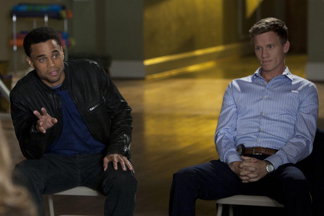 Der Bankräuber Cooper handelt mit dem Staatsanwalt Jake einen Deal aus, dass er vorzeitig entlassen wird, wenn er ihm das Versteck der 5 Millionen... - Bildquelle: 2012 USA Network Media, LLC