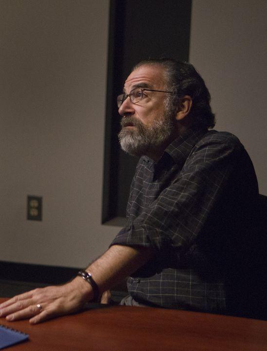 Steckt in massiven Schwierigkeiten: Saul (Mandy Patinkin) ... - Bildquelle: 20th Century Fox International Television