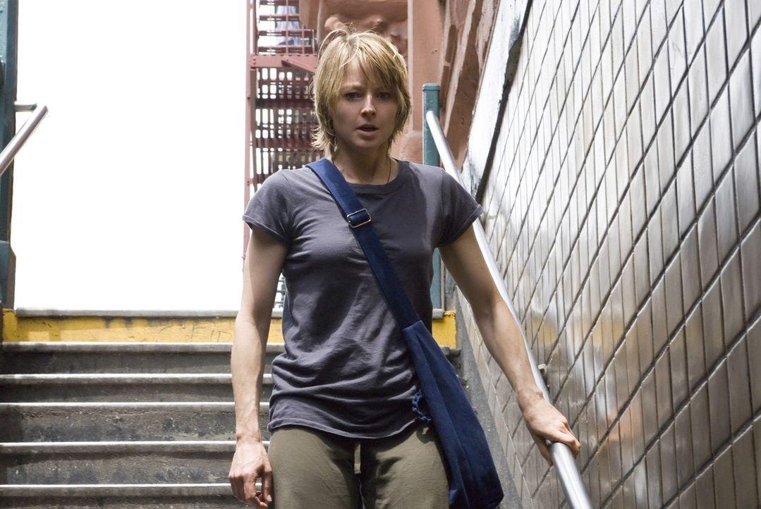 Erica Bain (Jodie Foster) ist eine erfolgreiche New Yorker Radiomoderatorin. Sie lebt glücklich und zufrieden  - bis während eines Spaziergangs ei... - Bildquelle: Warner Bros.