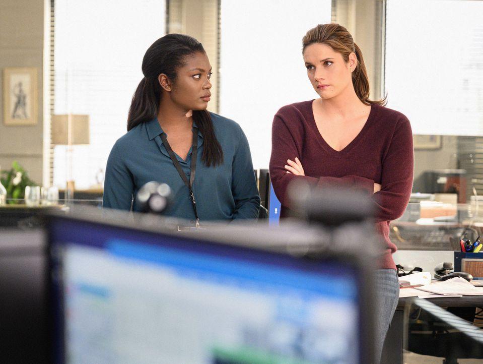 Kristen Chazal (Ebonée Noel, l.); Special Agent Maggie Bell (Missy Peregrym, r.) - Bildquelle: Mark Schafer 2019 CBS Broadcasting, Inc. All Rights Reserved. / Mark Schafer