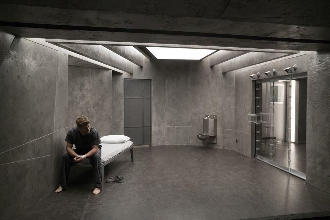 Nur ein kleiner Teil seiner Erinnerungen kehrt zurück - ausgerechnet sein Mord an Taylor Shaws Mutter. Und nun soll Roman (Luke Mitchell) mit dem ni... - Bildquelle: Warner Brothers