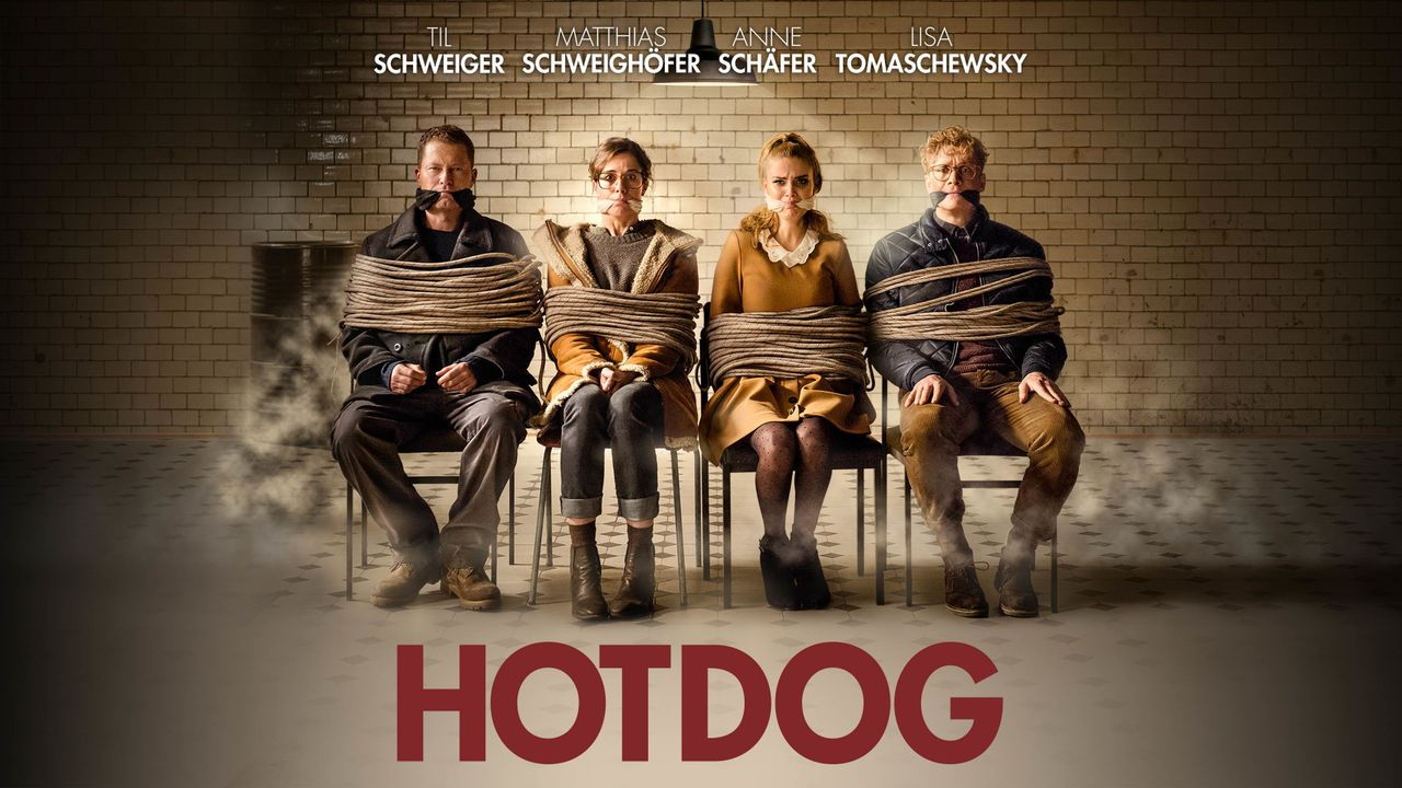 Hot Dog - Plakatmotiv - Bildquelle: 2017 Pantaleon Films GmbH, Barefoot Films GmbH, Erfttal Film & Fernsehproduktion GmbH & Co. KG, Warner Bros. Entertainment GmbH. All rights reserved