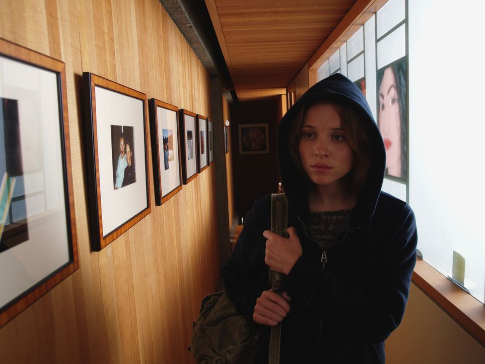Ist die einzige, die Nick aus der Zwischenwelt retten kann: Außenseiterin Annie Newton (Margarita Levieva) ... - Bildquelle: Hollywood Pictures & Spyglass Entertainment.  All rights reserved