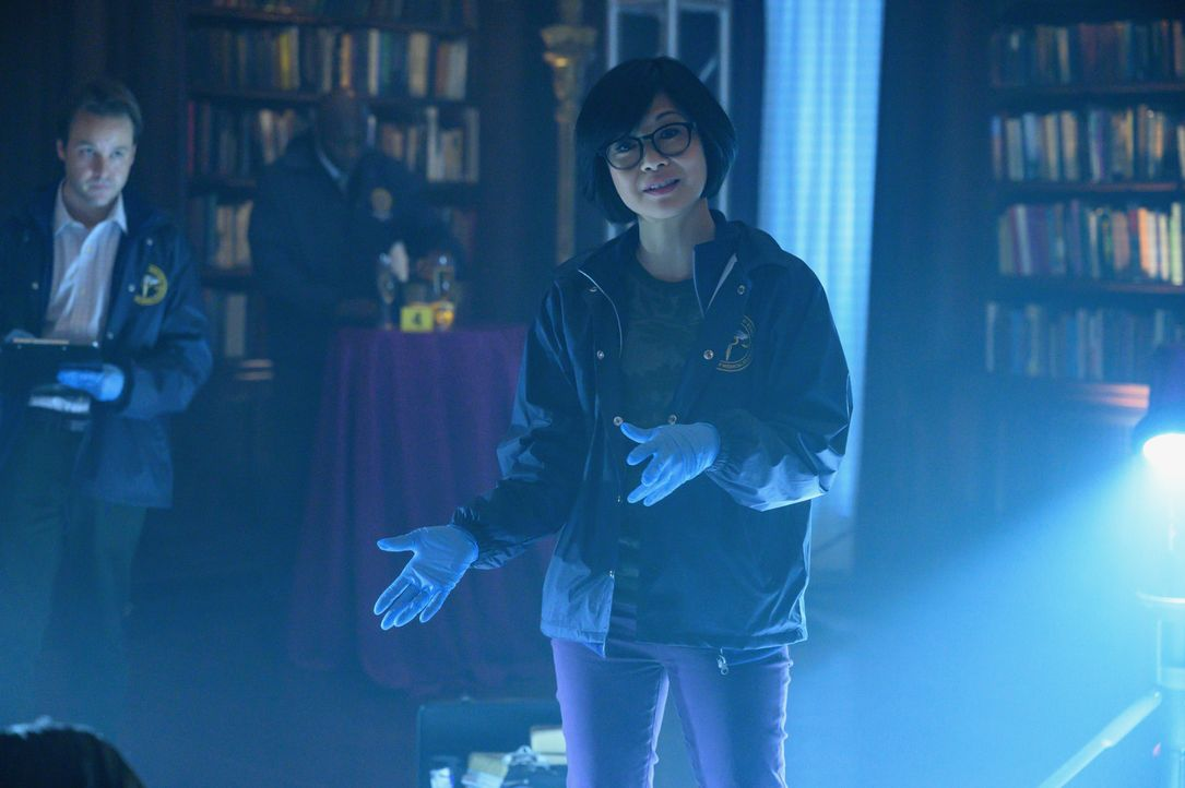 Dr, Edrisa Tanaka (Keiko Agena) - Bildquelle: David Giesbrecht 2020 Warner Bros. Entertainment Inc. All Rights Reserved. / David Giesbrecht