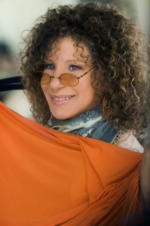 Roz (Barbra Streisand) gibt Sextherapiestunden für alte Menschen und als wäre das nicht schon genug, nein, den ganzen Tag läuft sie nur in Hippie... - Bildquelle: DreamWorks SKG