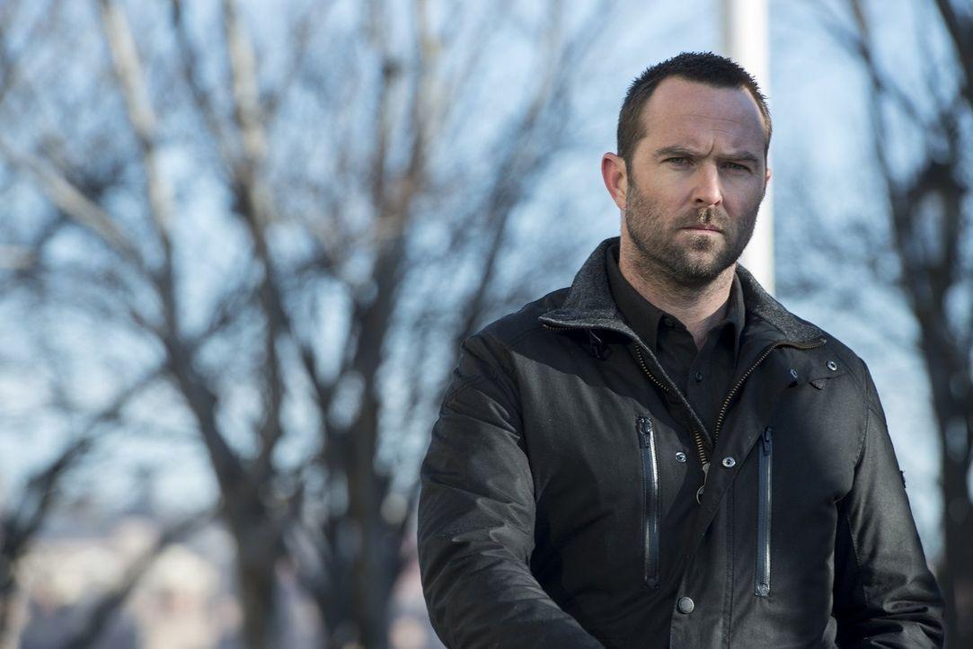 Noch immer kann Kurt Weller (Sullivan Stapleton) es kaum glauben, aber er und die Terroristin Shepherd haben eine gemeinsame Vergangenheit ... - Bildquelle: Warner Brothers