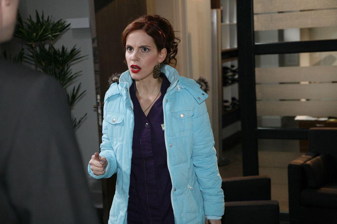 Manu (Marie Zielcke) ist geschockt, als Mark sie als Verräterin beschimpft und lässt sich das nicht mehr gefallen ... - Bildquelle: SAT.1