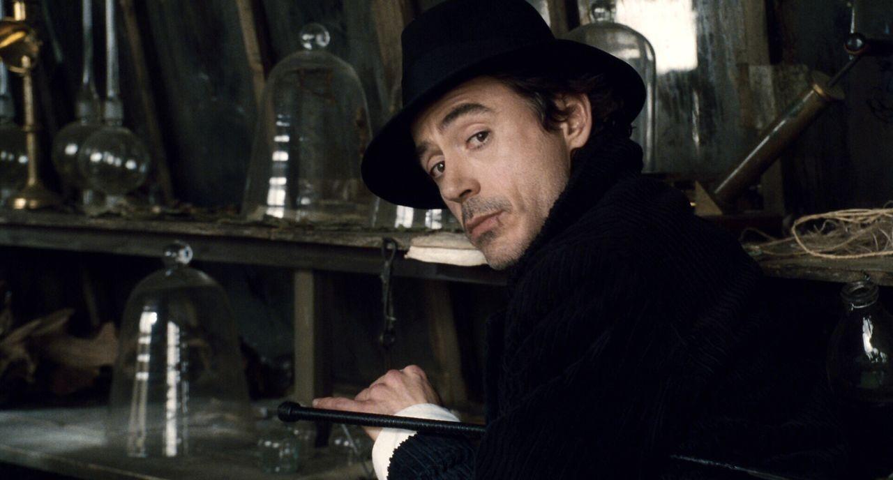 """""""Das Spiel hat begonnen"""": Sherlock Holmes (Robert Downey Jr.) muss seinem ärgsten Widersacher das schmutzige Handwerk legen ... - Bildquelle: Warner Brothers"""