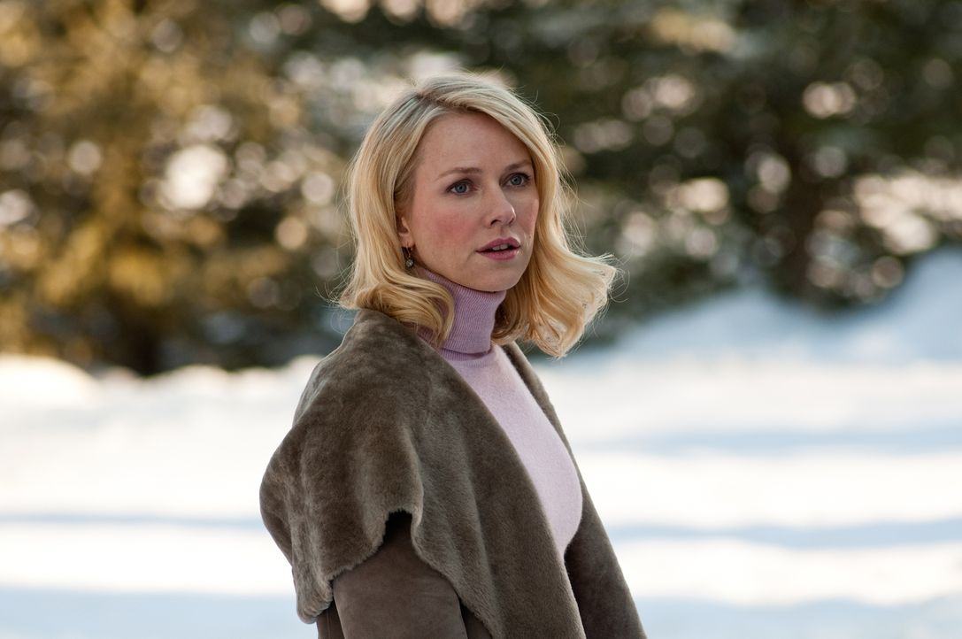 Ann Patterson (Naomi Watts) scheint mehr über die schrecklichen Ereignisse von vor fünf Jahren zu wissen, als sie preisgibt ... - Bildquelle: 2011 Universal Studios