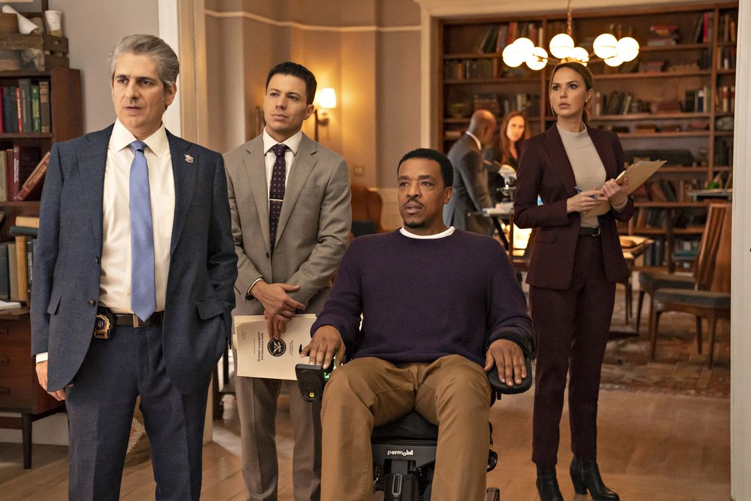 (v.l.n.r.) Detective Michael Sellitto (Michael Imperioli); Detective Eric Castillo (Ramses Jimenez); Lincoln Rhyme (Russell Hornsby); Amelia Sachs (... - Bildquelle: Barbara Nitke 2020 NBCUniversal Media, LLC / Barbara Nitke