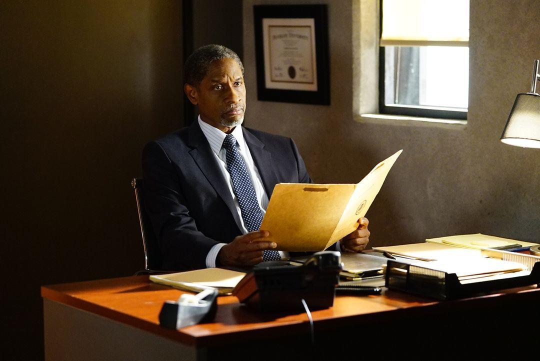 Cooper (Forest Whitaker) teilt Reid mit, dass er wieder für das FBI arbeiten darf, unter einer Bedingung ... - Bildquelle: Disney Media Distribution