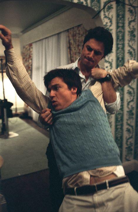 Schon bald wird Tom (Zach Braff, r.) klar, dass Chip (Jason Bateman, l.) nicht nur im Job ein harter Konkurrent für ihn ist, sondern auch mit fiesen...