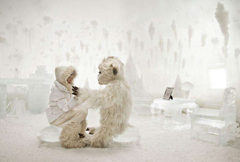 Wo kann Pia (Jamie Bick) den Yeti Yoko vor seinen Häschern am besten verstecken? In der Tiefkühltruhe ... - Bildquelle: Sony Pictures