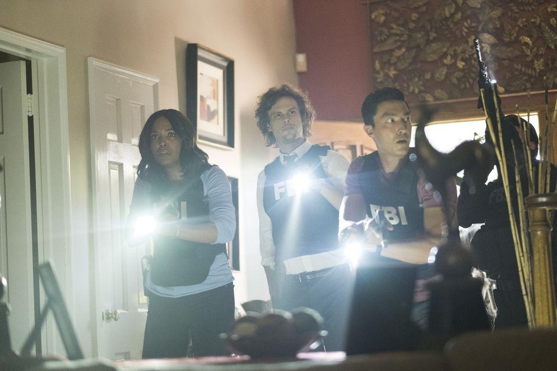 (v.l.n.r.) Dr. Tara Lewis (Aisha Tyler); Spencer Reid (Matthew Gray Gubler); Matthew (Daniel Henney) - Bildquelle: Eddy Chen 2006 Touchstone Television. All rights reserved. NO ARCHIVE. NO RESALE./Eddy Chen