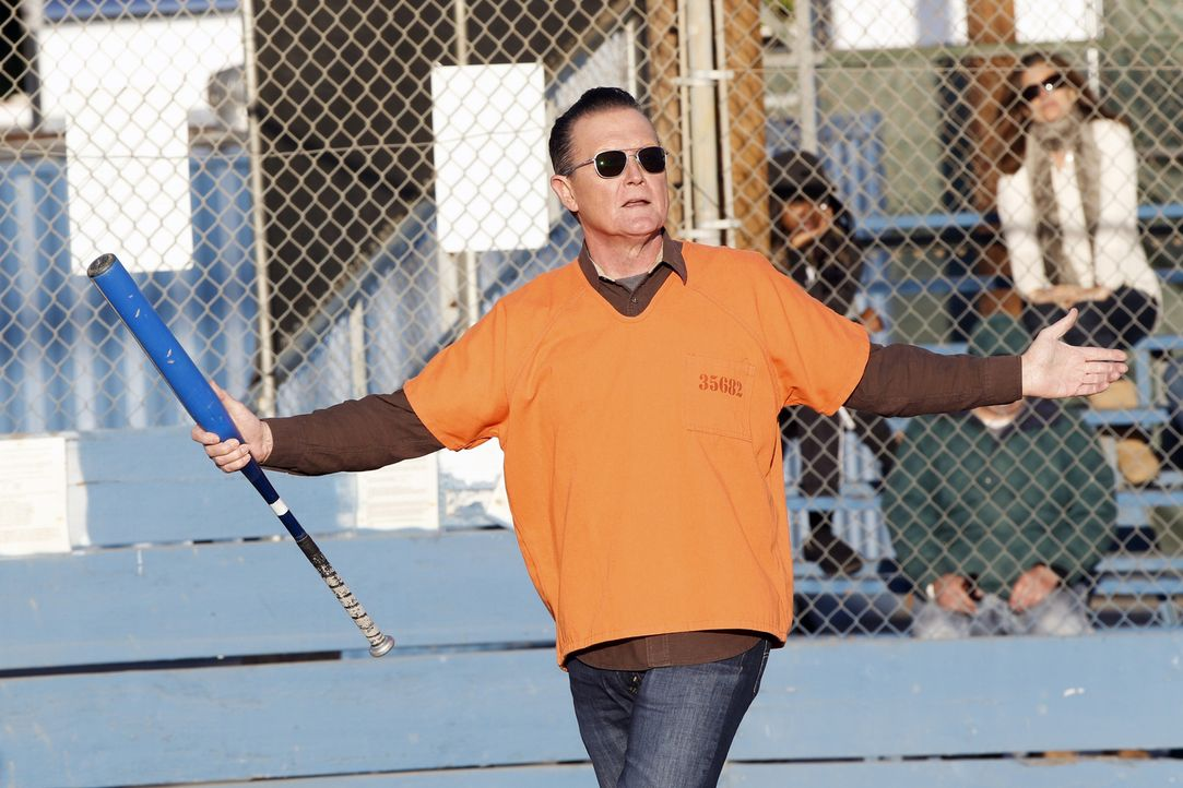 Kann Cabe (Robert Patrick) zusammen mit den Genies aus dem Team Scorpion ein wichtiges Softball-Spiel gewinnen? - Bildquelle: Cliff Lipson 2018 CBS Broadcasting, Inc. All Rights Reserved.