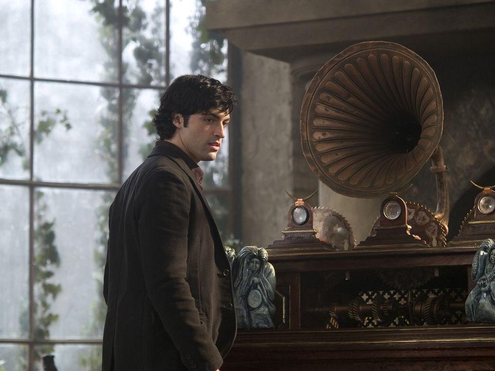 Ahnt noch nicht, dass er mitten in einer mörderischen Inszenierung steckt: Dan (Reid Scott) ... - Bildquelle: 2009 Warner Bros.