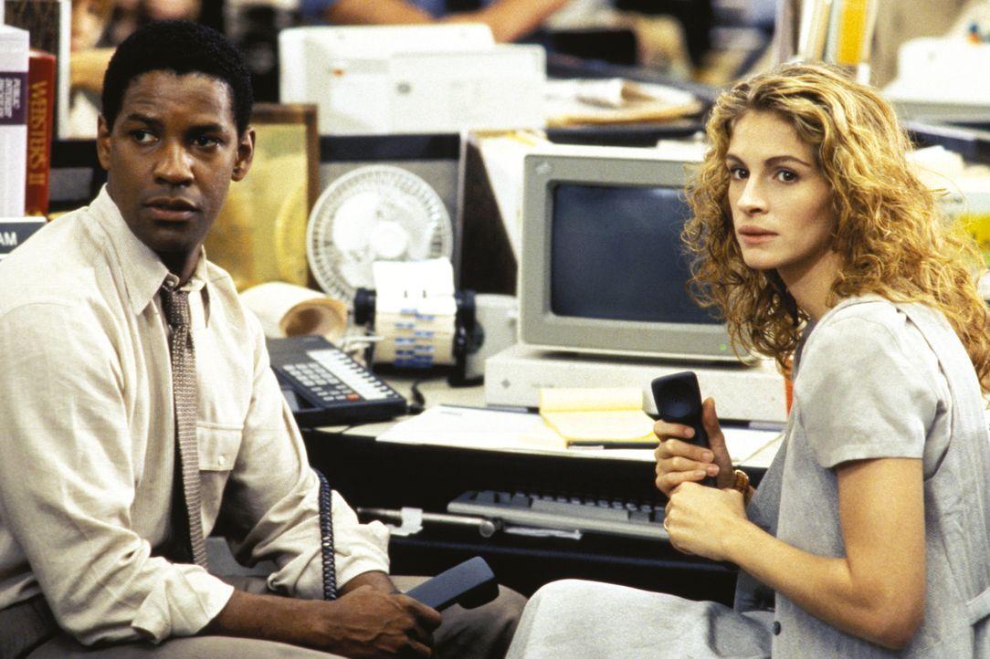 Nach dem Mord an ihrer Bezugsperson sucht Darby Shaw (Julia Roberts, r.) Hilfe beim Journalist Gray Grantham (Denzel Washington, l.) und begibt sich... - Bildquelle: 1993 Warner Brothers