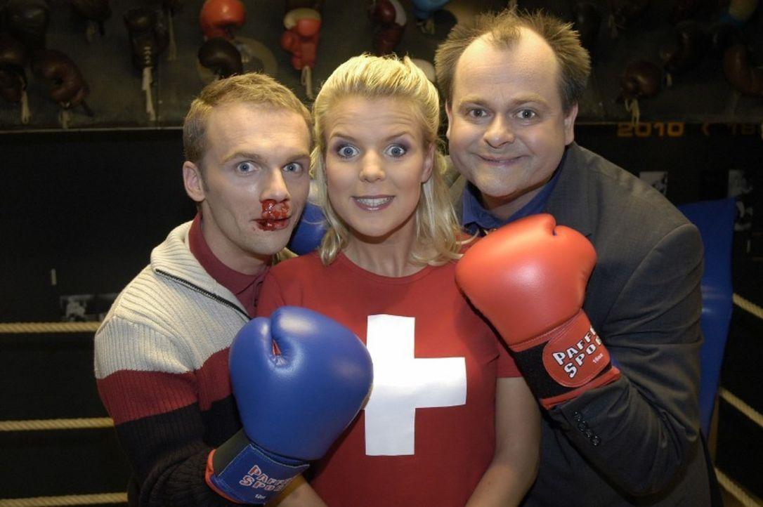 Mirja (M.) konnte die beiden Kampfhähne Ralf (l.) und Markus (r.) erfolgreich versöhnen. - Bildquelle: Sat.1