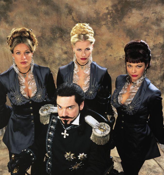 Dr. Loveless (Kenneth Branagh, vorne) und seine Mädels (v.l.n.r.: Frederique Van Der Wal, Sofia Eng und Musetta Vander) haben nur ein Ziel vor Augen... - Bildquelle: Warner Bros. Pictures