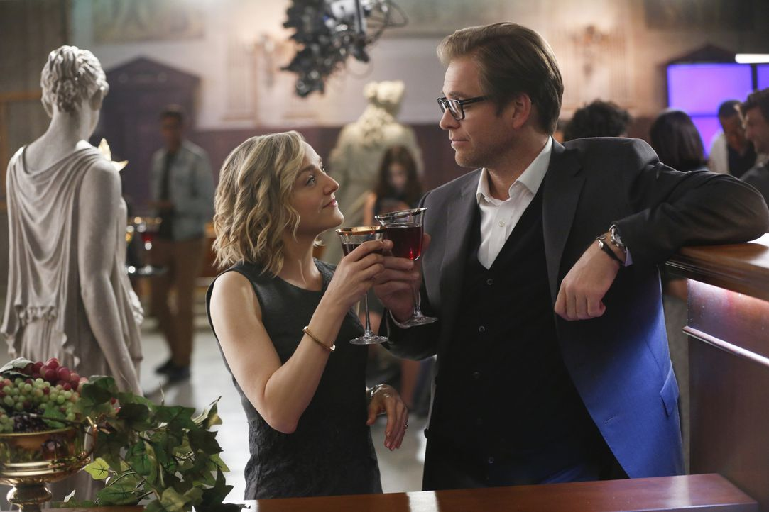 Ein neuer Auftrag wartet auf Bull (Michael Weatherly, r.), Marissa (Geneva Carr, l.) und das restliche Team von Trial Sciences Inc.: Chirurg Dr. Ter... - Bildquelle: Craig Blankenhorn 2016 CBS Broadcasting, Inc. All Rights Reserved.