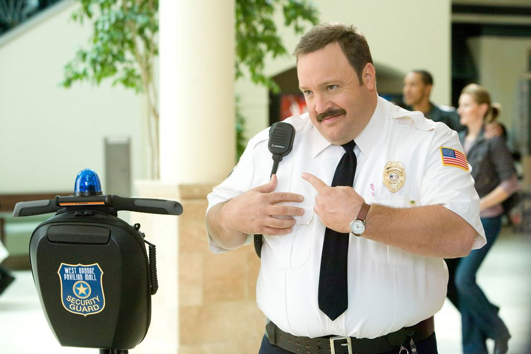Der pfundige Paul (Kevin James) träumte schon immer davon, ein schneidiger Gesetzeshüter zu werden. Das bleibt ihm versagt, weil die Sportprüfung... - Bildquelle: 2009 Columbia Pictures Industries, Inc. and Beverly Blvd LLC. All Rights Reserved.