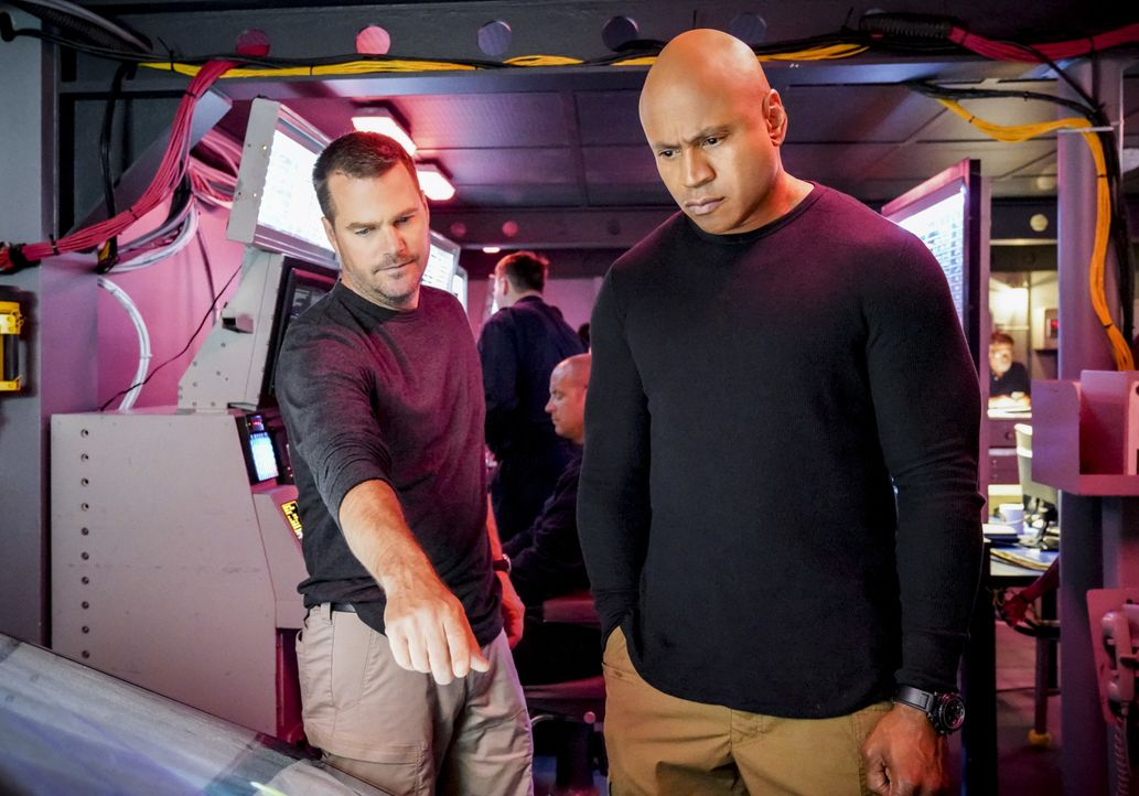 G. Callen (Chris O'Donnell, l.); Sam Hanna (LL Cool J, r.) - Bildquelle: Bill Inoshita 2019 CBS Broadcasting, Inc. All Rights Reserved / Bill Inoshita