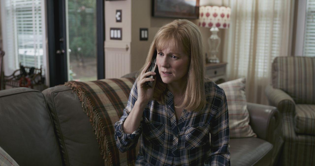 Lorrie Sullenberger (Laura Linney) - Bildquelle: Warner Bros.