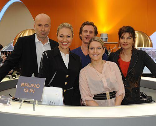 K. Dieter Klebsch, Ruth Moschner, Patrick Kalupa, Jeanette Biedermann, Karin Kienzer (v.l.) - Bildquelle: Sat1