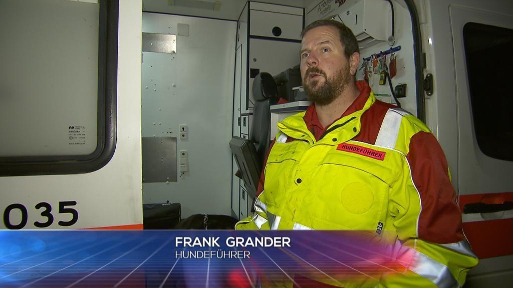 POL - Hundef++hrer Frank Grander - Bildquelle: SAT.1