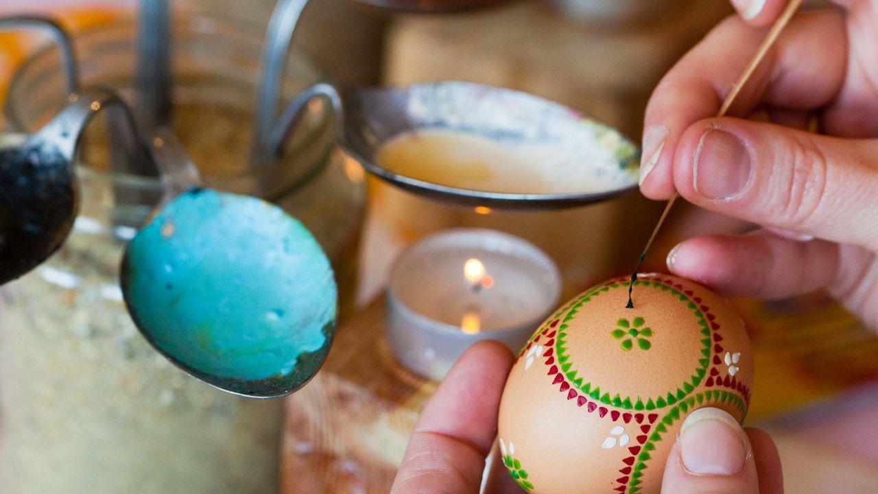 Oster färben und bemalen - Bildquelle: dpa
