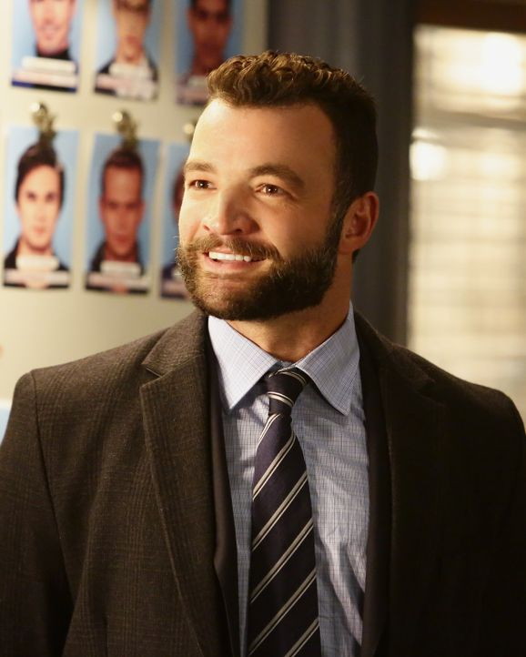 Im Fall des ermordeten Sohnes eines russischen Diplomaten wird der russische Sicherheitsbeamte Vasily Zhiov (Nick Tarabay) mehr in den Fall verwicke... - Bildquelle: Nicole Wilder 2016 American Broadcasting Companies, Inc. All rights reserved.