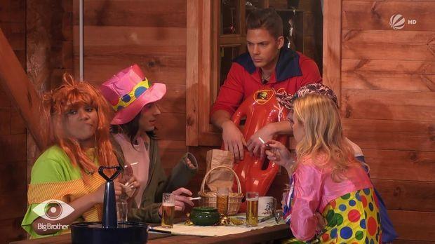 Big Brother - Big Brother - Folge 11: Pat Hetzt Bei Der Karnevalsparty Gegen Mareike