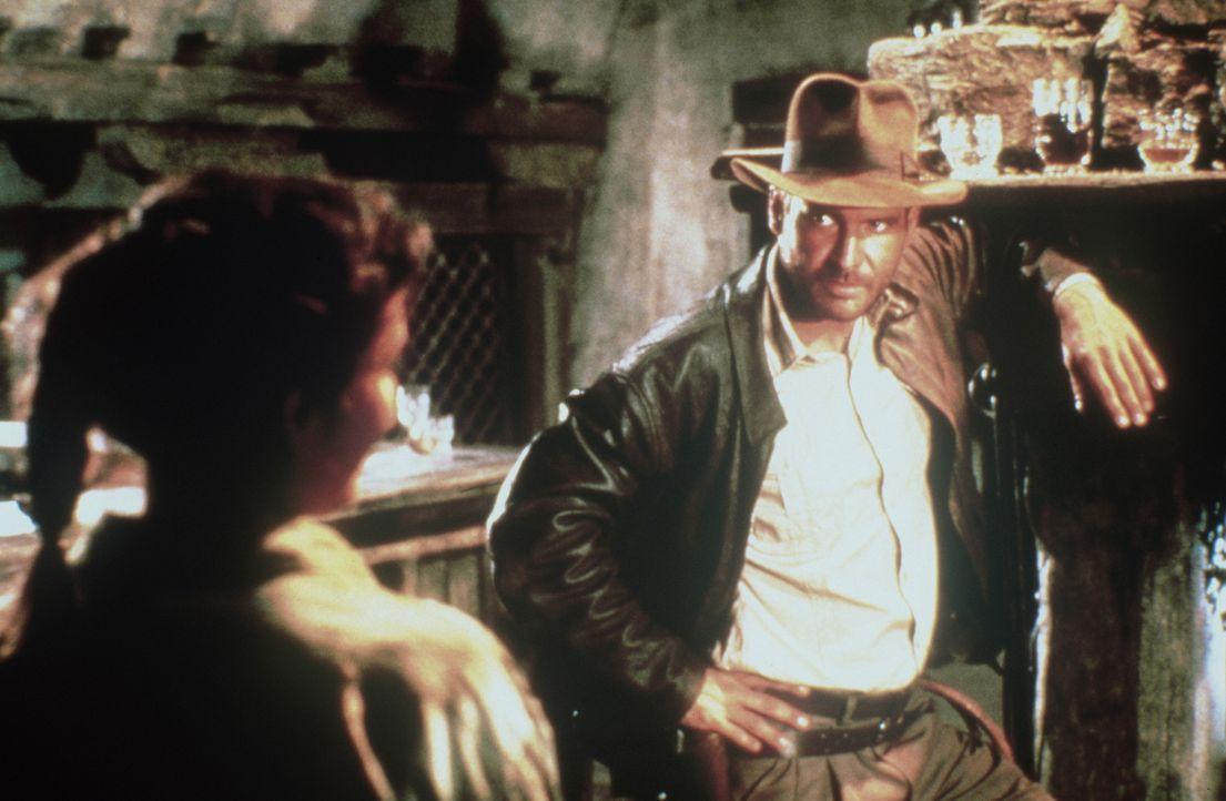 Ein unschlagbares Team: Indiana Jones (Harrison Ford, r.) und Marion (Karen Allen, l.). - Bildquelle: Paramount Pictures