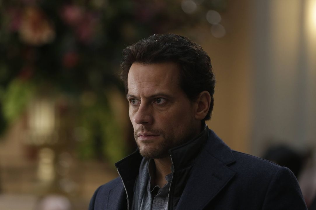 Geschockt findet Henry (Ioan Gruffudd) heraus, was Adam wirklich vor hat ... - Bildquelle: Warner Bros. Television